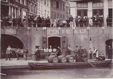 Finjé en Co. aan de Utrechtse Oudegracht