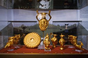 1024px-sofia_-_panagyurishte_thracian_gold_treasure